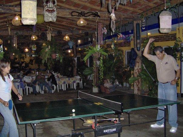 Mesa de Ping Pong En El Campamento Rio Actopan Chicuasen Veracruz Hospedaje y Alojamiento