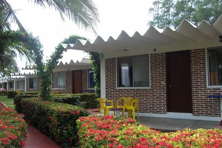 Hotel Bungalows Suites Junto Al Mar En Costa Esmeralda Veracruz