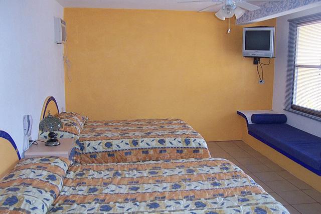 Hospedaje y Alojamiento En Hotel Bungalows Suites Junto Al Mar En Costa Esmeralda Veracruz