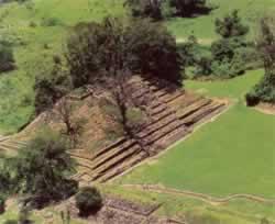 Zona Arqueológica El Cuajilote Rio Filobobos Veracruz